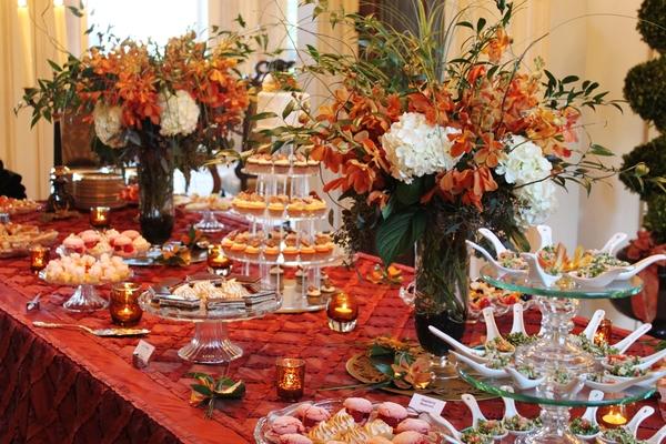 Lila buffet styling bridal shower buffet - Sideboard lila ...