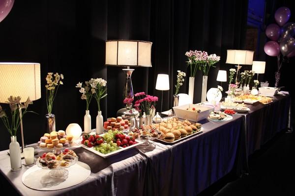 Lila buffet styling french theme buffet - Sideboard lila ...