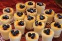 Lila buffet styling mini creme brulee - Sideboard lila ...
